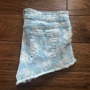 F21 Light Wash Floral Distressed Denim Shorts